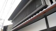 ウッドデッキに屋根をつけるべきか。