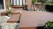 人工木材と天然木材のウッドデッキ比較