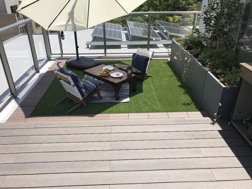 彩木を用いた屋上の庭園03