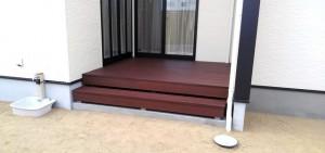 階段のある彩木ウッドデッキ実例紹介02
