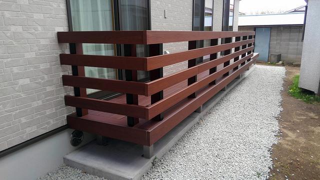 フェンスのある彩木ガーデンデッキ(実例01)