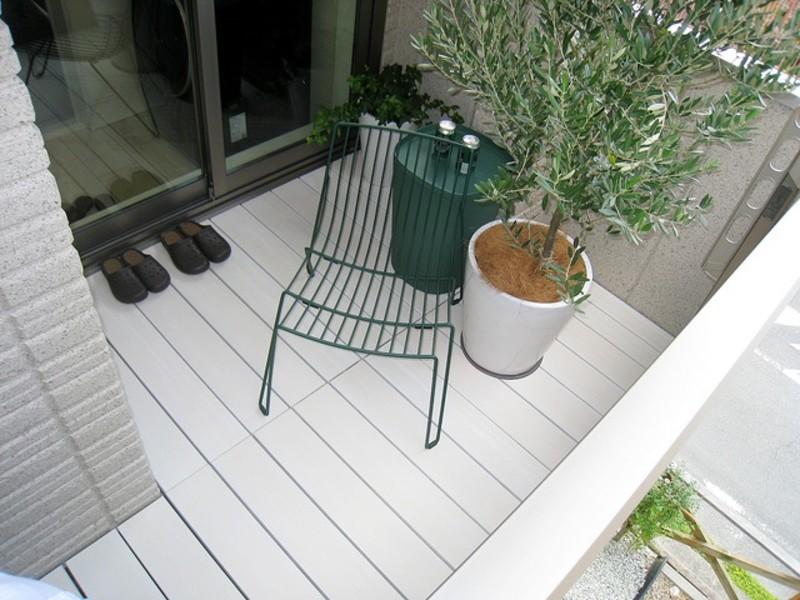 【LIMIAで掲載されました】【DIY】こんなウッドデッキはじめて♡白色木材のイメージが変わる!