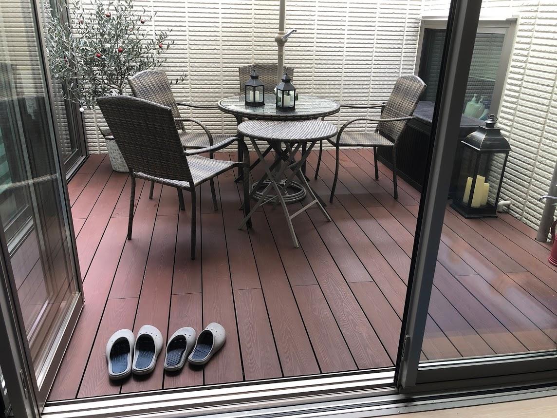 中庭の彩木ウッドデッキで<br>屋内の連動性を上げる(その02)